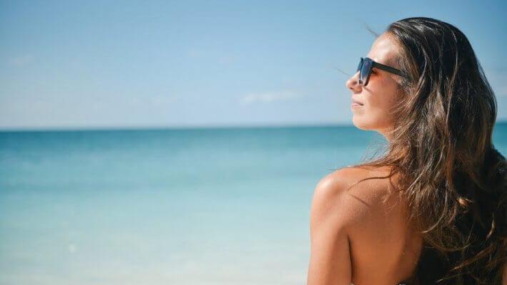 ¿Cómo cuidar la piel para un bronceado duradero y saludable?