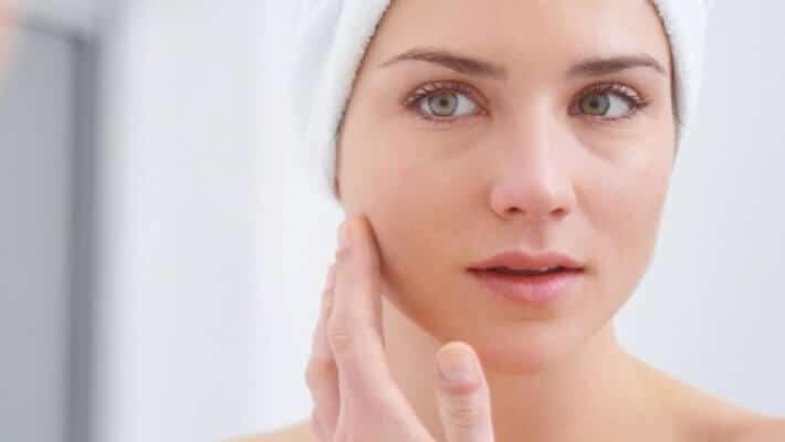 Tips para evitar las manchas en la piel este verano